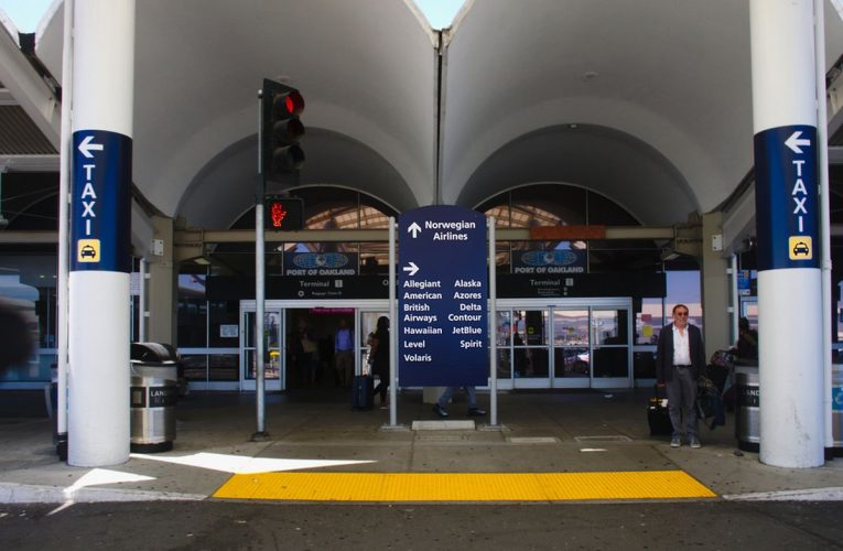 Oakland airport shuts down after indignant passenger makes bomb menace